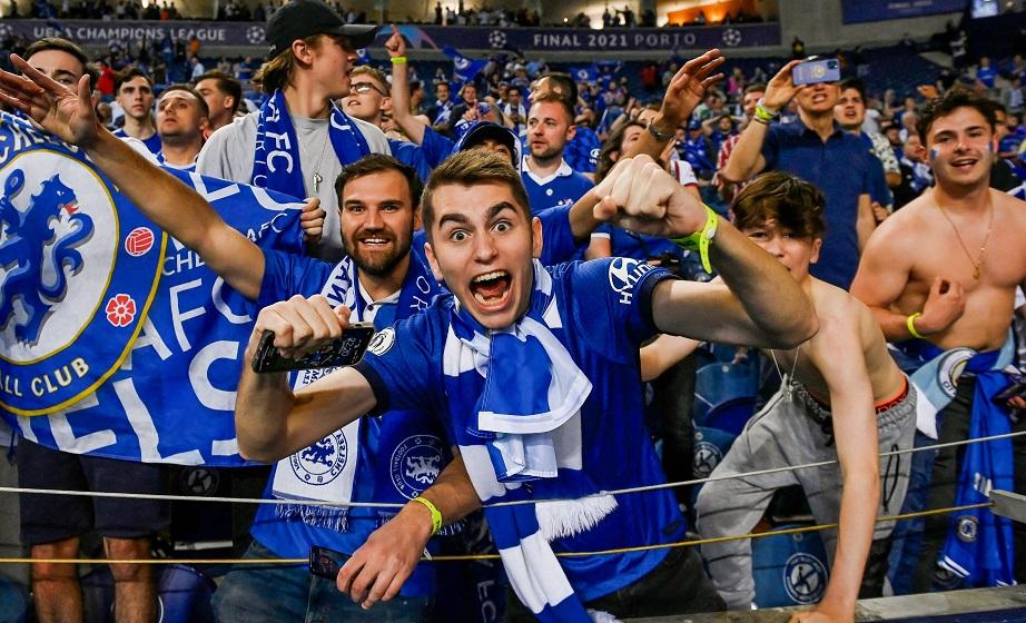 Η UEFA επιτρέπει και φιλοξενούμενους οπαδούς στις διοργανώσεις της!