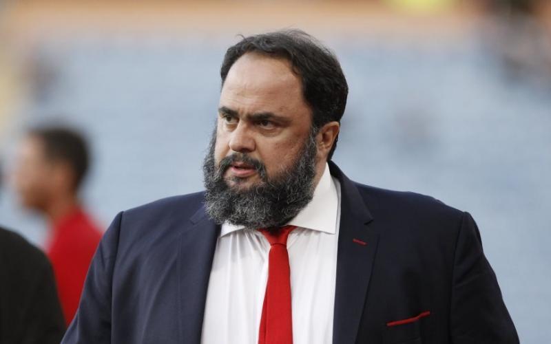 Οι οπαδοί της Νότιγχαμ τα έβαλαν με το Μαρινάκη: «Πούλησε την ομάδα, δεν είμαστε Ολυμπιακός»