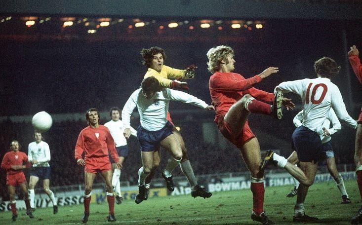 Τα 90 δευτερόλεπτα του Κέβιν Χέκτορ που μπορούσαν να αλλάξουν την ποδοσφαιρική ιστορία της Αγγλίας!