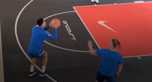 Ο Μπέλινγχαμ καλά θα κάνει να... αφήσει στην άκρη το μπάσκετ (vid)