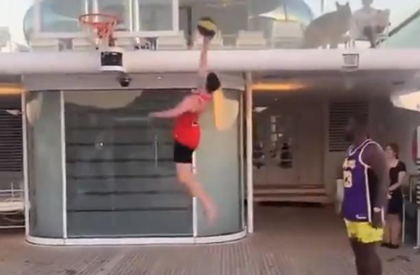 Μάουντ και Ράις το έριξαν στο... NBA σε σκάφος στ' ανοιχτά της Μυκόνου! (vids)
