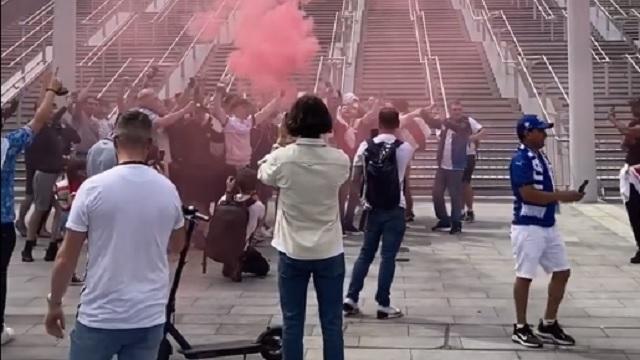 Από νωρίς το πρωί η απόλυτη τρέλα από τους οπαδούς στο Λονδίνο! (vids)