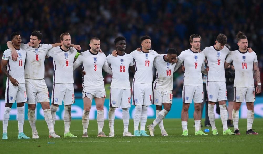 Με Αλεξάντερ-Άρνολντ η αποστολή της Αγγλίας για τα προκριματικά του Παγκοσμίου Κυπέλλου (pic)