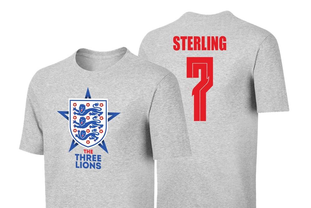 H Αγγλία έκανε το πρώτο βήμα και το Sportarena έχει για εσάς το μπλουζάκι του Στέρλινγκ!